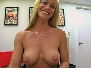 BravoTube Porno - Blonde Milf Gets Fucked Hard In Her Job Interview