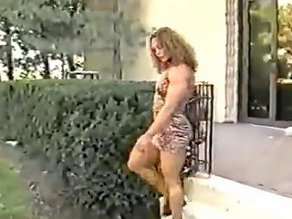 TNAFlix Porno - Bodybuilder In The Park Porn Videos