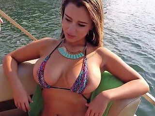 BravoTube Porno - Pretty Bikini Clad Latina With A Nice Ass Sucking A Stranger's Big Cock On A Boat