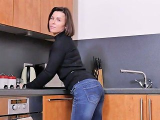 AnySex Porno - Addicted To Sex Housewife Jamie Ray Is Playing With Her Twat On The Kitchen Table