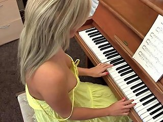 PornHub Porno - Downblouse Sexy Big Busted Piano Playing Dbf Downblousefetish